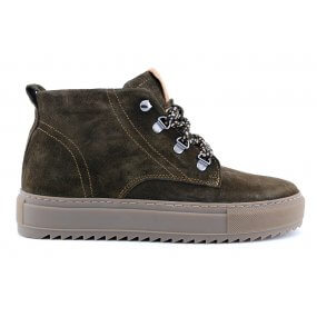 Macy G boot olive suede dikke zool